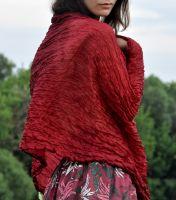 Бордовый шарф из натурального шелка, 1000 руб.